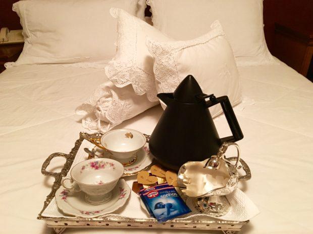 Chá no quarto, um mimo da Pousada Florença em Gramado no Rio grande do Sul