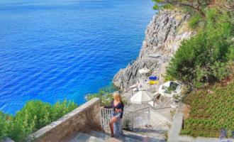 Praia privativa do Hotel Akrotiri em Corfu