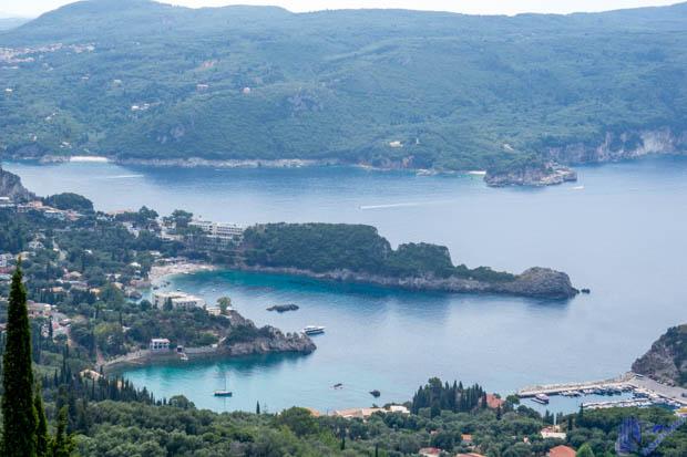 Vista das prainhas de Lakones em Corfu